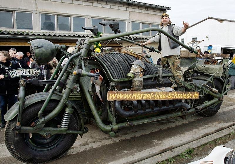 quelle est la moto la plus lourde et la plus grosse au monde. Black Bedroom Furniture Sets. Home Design Ideas