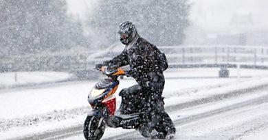 scooter sous la neige