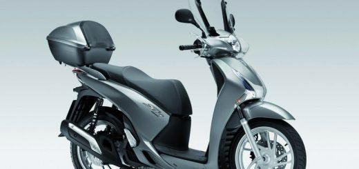 conduire un scooter ou une moto 3 roues quel permis ou certificat. Black Bedroom Furniture Sets. Home Design Ideas