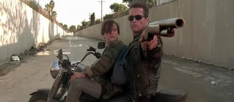 poursuite en moto Terminator